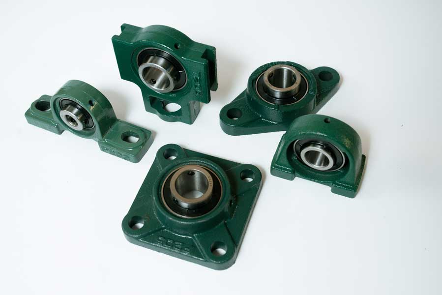 Palier auto-aligneur à semelle, en applique, compact… Alésage de 3 à 300mm. Acier ou inox ou plastique.